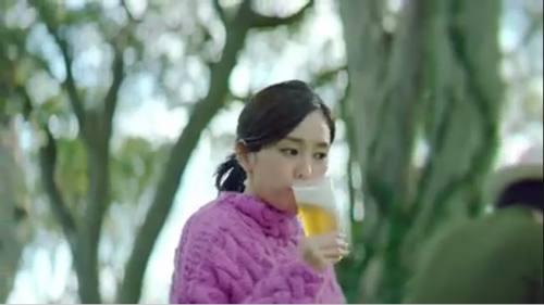 ビールをごくっと