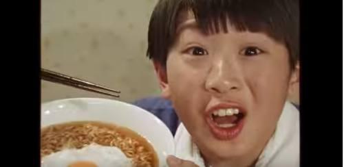 日清の袋麺のCM4