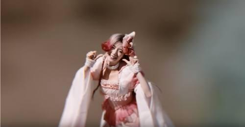 au親指姫のCM8