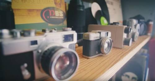 並べられたカメラ